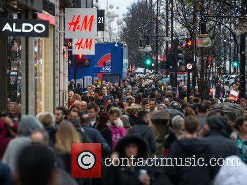 Christmas Shoppers, Atmosphere and View 11