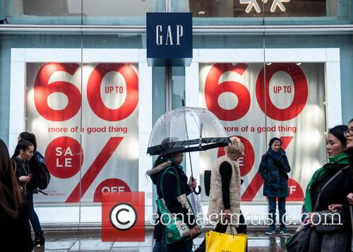Gap Uk, Christmas Shoppers, Atmosphere and View 1