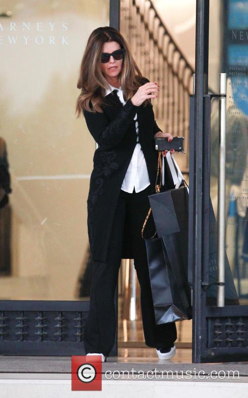 Maria Shriver doing some last minute christmas shopping