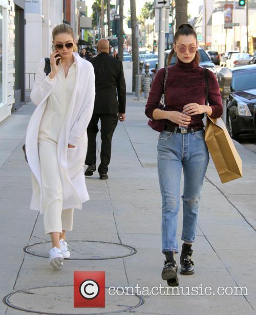 Bella Hadid and Gigi Hadid 1