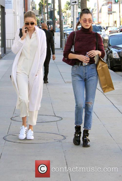 Bella Hadid and Gigi Hadid 4