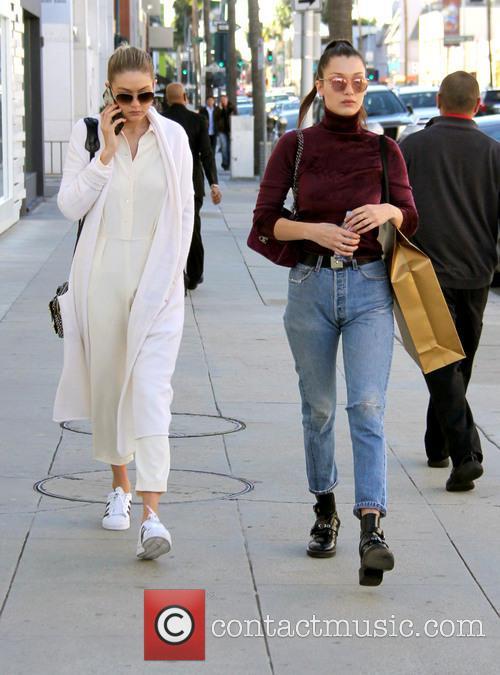 Bella Hadid and Gigi Hadid 5