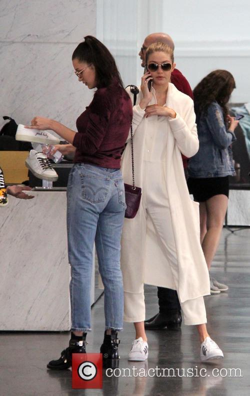 Bella Hadid and Gigi Hadid 11