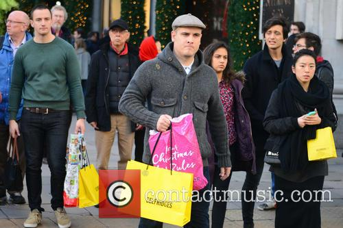 Christmas Shoppers 1