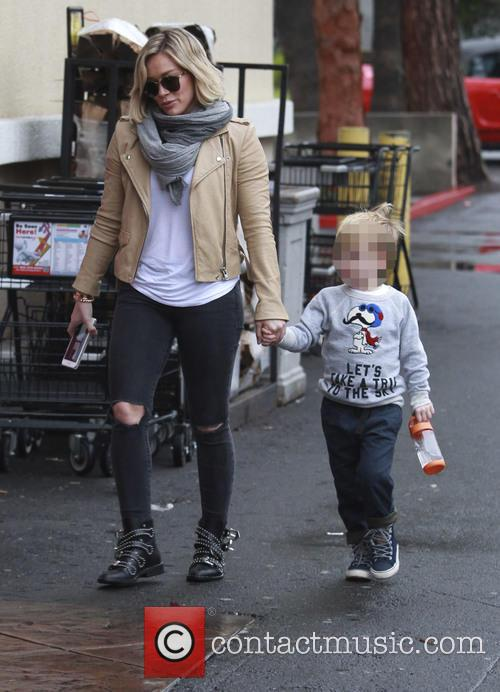 Hilary Duff shopping at Ralph's with his little...