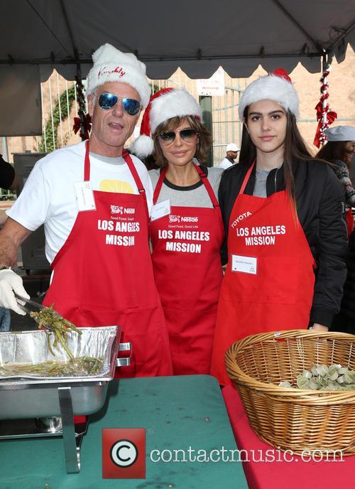 Harry Hamlin, Lisa Rinna and Amelia Hamlin 9