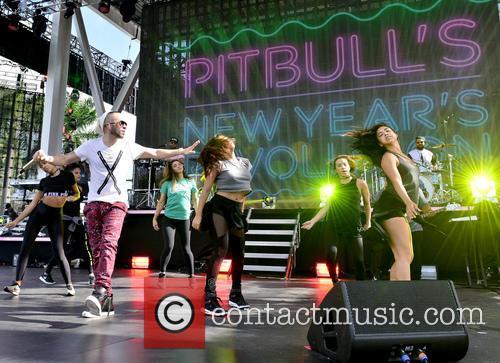 Pitbull and Yandel 6