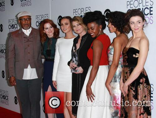 James Pickens, Jr., Sarah Drew, Camilla Luddington, Ellen Pompeo, Jerrika Hinton, Kelly Mccreary and Caterina Scorsone 2