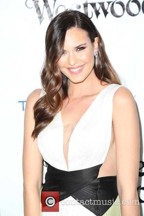 Odette Annable 2