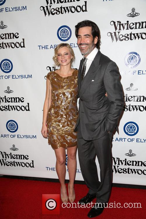 Amy Smart and Carter Oosterhouse