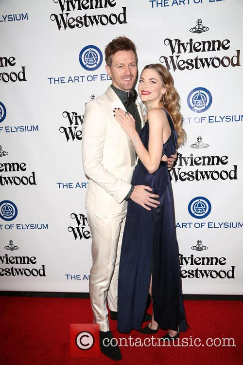 Kyle Newman and Jaime King 4