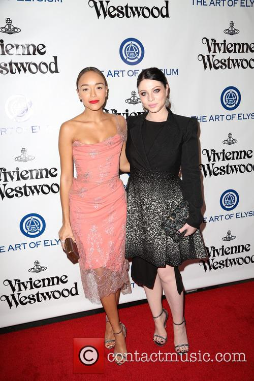 Ashley Madekwe and Michelle Trachtenberg 5