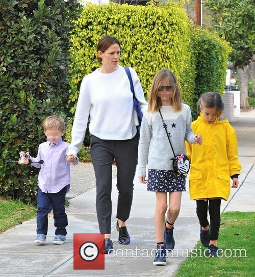 Jennifer Garner, Samuel Garner Affleck, Violet Affleck and Seraphina Rose Affleck 9