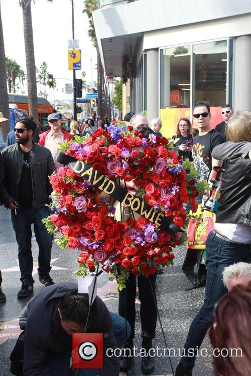 David Bowie, Memorial, The Hollywood Walk and Fame 8