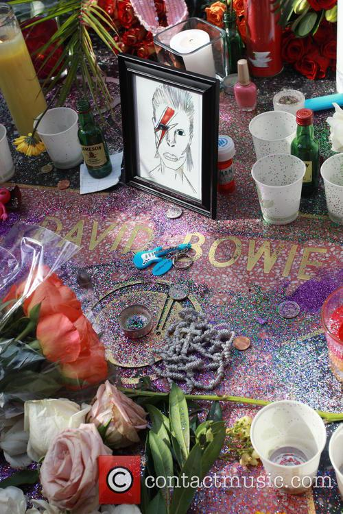 David Bowie, Memorial, The Hollywood Walk and Fame 10