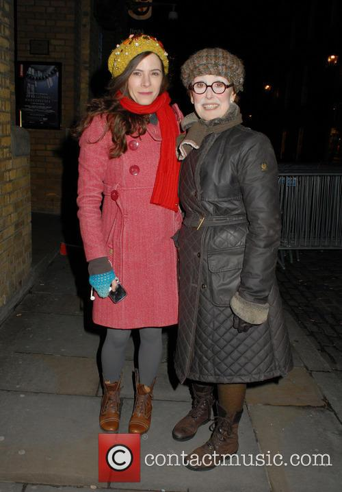Elaine Cassidy and Una Stubbs 1