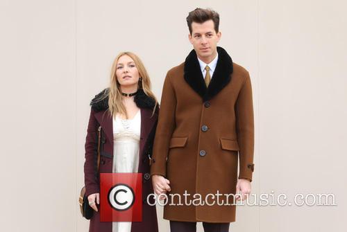 Josephine De La Baume and Mark Ronson 4