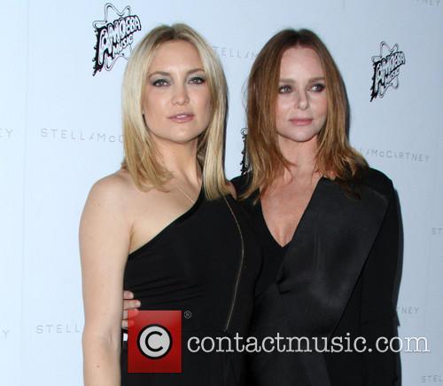 Kate Hudson and Stella Mccarthy 10