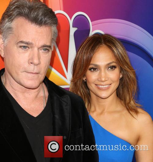 Ray Liotta and Jennifer Lopez 9
