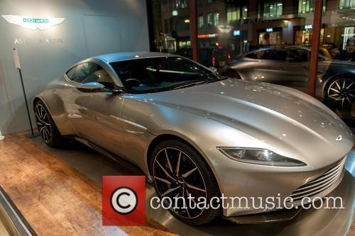 Aston Martin Db10, James Bond and Spectre 4