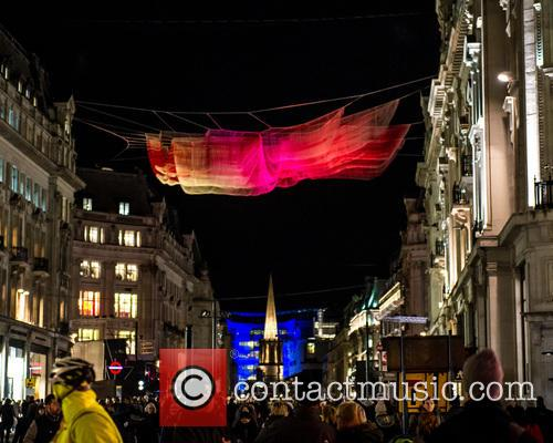 Artist: Janet Echelman's '1.8 London' 1