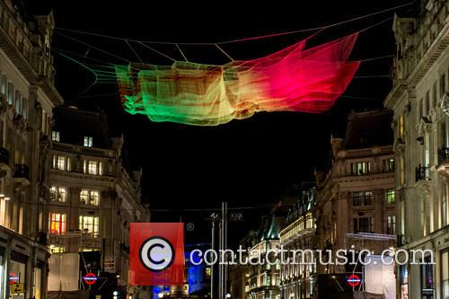 Artist: Janet Echelman's '1.8 London' 4