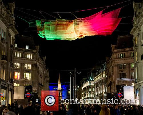 Artist: Janet Echelman's '1.8 London' 5
