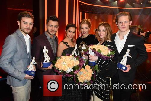 Lucas Reiber, Aram Arami, Jella Haase, Max Von Der Groeben, Gizem Emre and Anna Lena Klenke 5