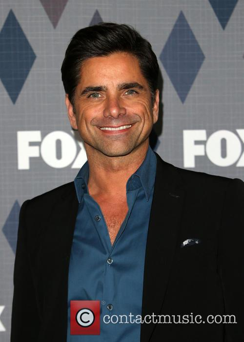 Watch John Stamos Read Some Really Negative 'Fuller House' Reviews