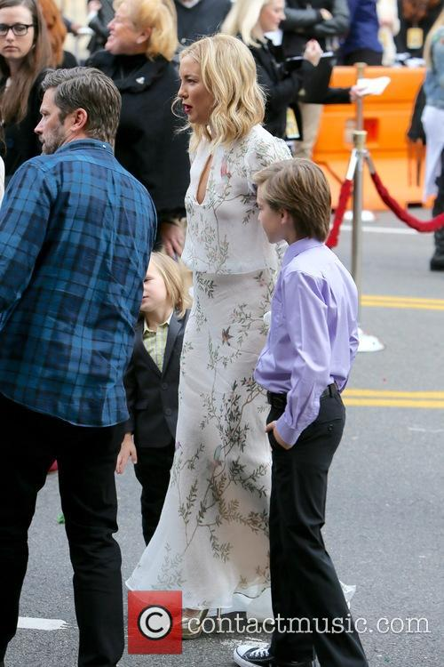 Kate Hudson, Bingham Bellamy and Ryder Robinson 10