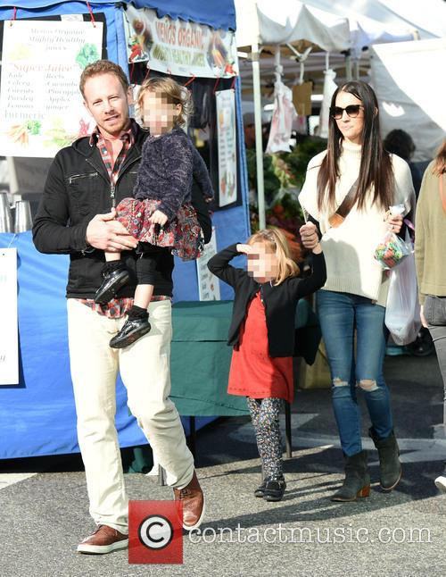 Ian Ziering takes his family to the Farmer's...