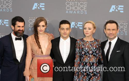 Carly Chaikin, Sam Esmail, Rami Malek, Portia Doubleday, Chad Hamilton and Christian Slater 1