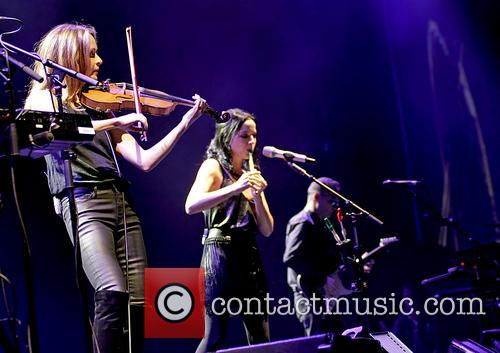 The Corrs, Sharon Corr, Andrea Corr and Jim Corr 6