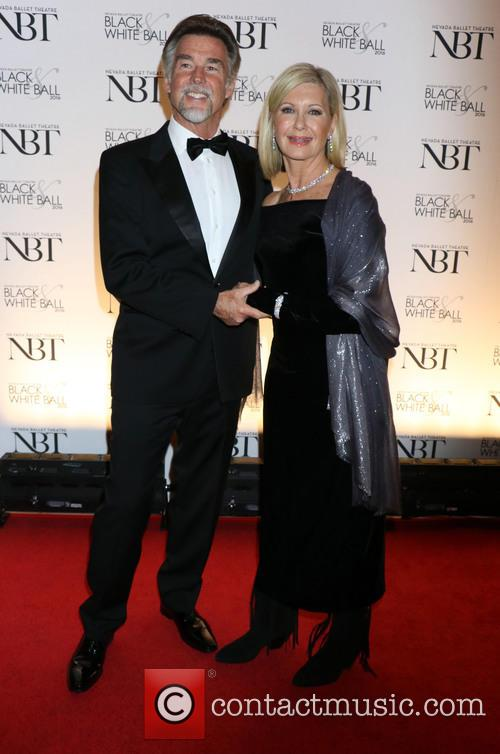 Olivia Newton-john and John Easterling 5