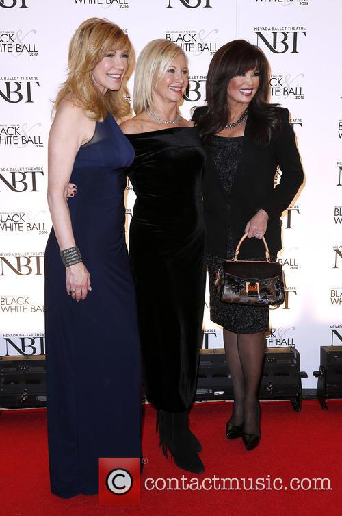 Leeza Gibbons, Olivia Newton John and Marie Osmond 5