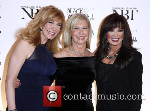 Leeza Gibbons, Olivia Newton John and Marie Osmond 7