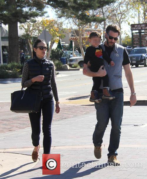Jordana Brewster, Andrew Form and Julian Form-brewster 5