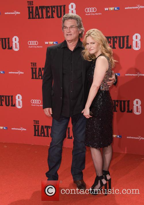 Kurt Russell and Jennifer Jason Leigh 6