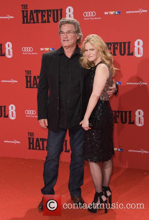 Kurt Russell and Jennifer Jason Leigh 7