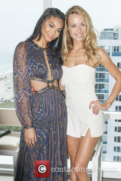 Si Swimsuit Models Chanel Inman and Hannah Ferguson 11