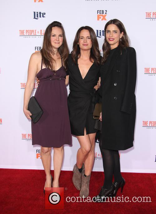 Carla Gallo, Elizabeth Reaser and Amanda Peet 2