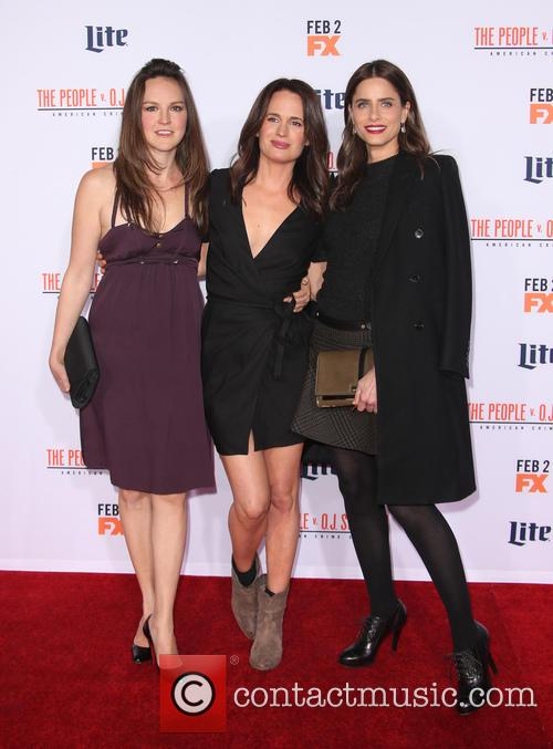 Carla Gallo, Elizabeth Reaser and Amanda Peet 4