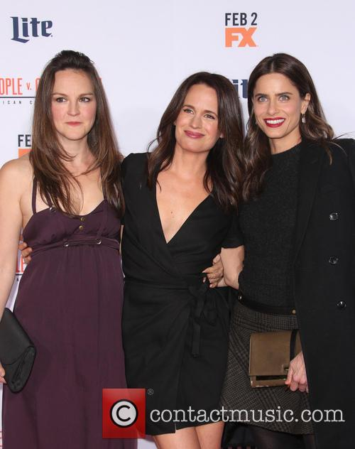 Carla Gallo, Elizabeth Reaser and Amanda Peet 6