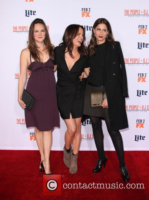 Carla Gallo, Elizabeth Reaser and Amanda Peet 8