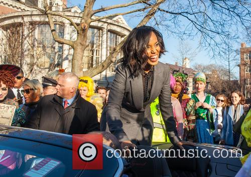 Kerry Washington and Hasty Pudding Theatricals Cast 3