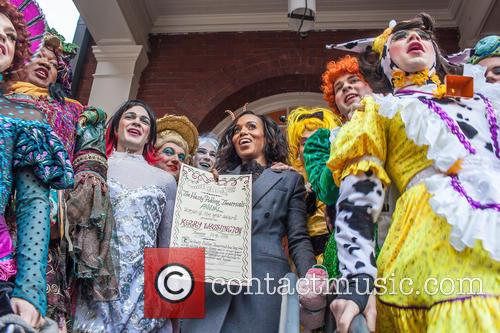 Kerry Washington and Hasty Pudding Theatricals Cast 9