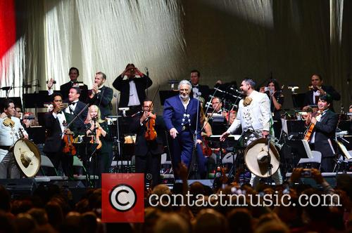 Placido Domingo and Mariachi Si Senor 1