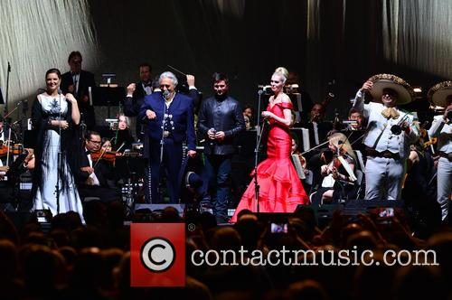 Virginia Tola, Placido Domingo, Juanes, Micaela Oeste and Mariachi Si Senor 1