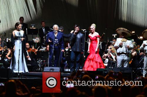 Virginia Tola, Placido Domingo, Juanes, Micaela Oeste and Mariachi Si Senor 5