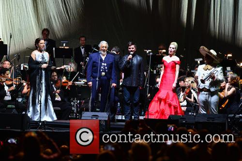 Virginia Tola, Placido Domingo, Juanes, Micaela Oeste and Mariachi Si Senor 7